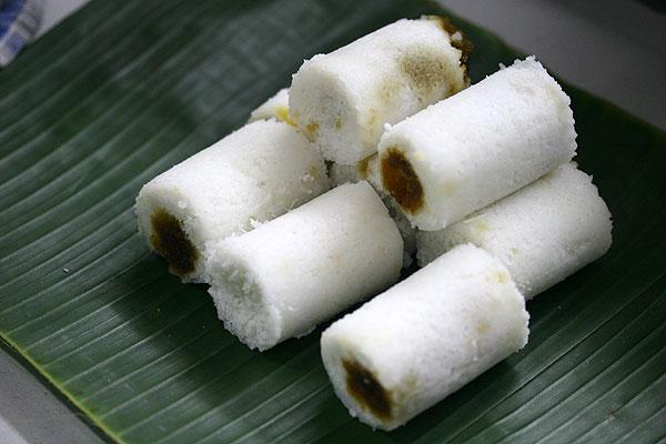 Cara Membuat Putu Bambu dan Putu Piring