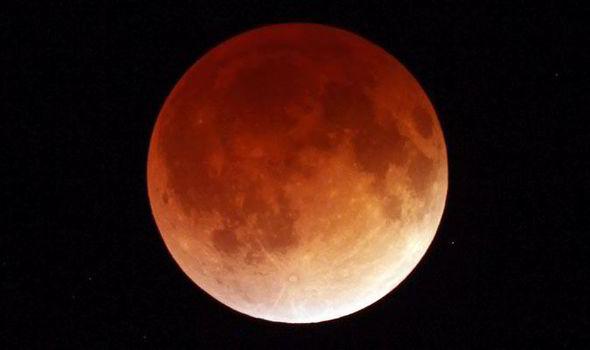 Gambar sebenar bulan ketika dalam keadaan Blood Moon