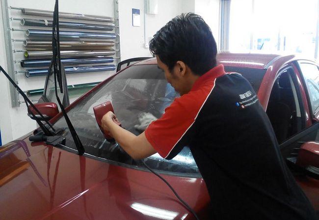 Betulkah Tinted Kereta Dapat Menahan Haba Panas
