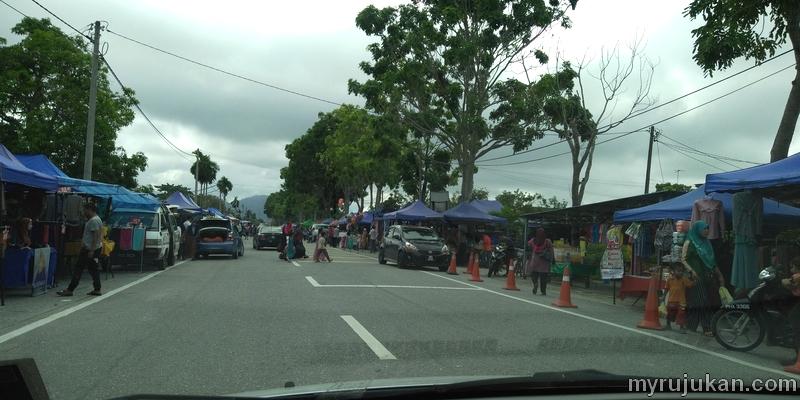 Laluan sepanjang jalan di Pasar Kemboja