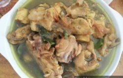 Hidangan ayam masak sambal hijau yang sedap