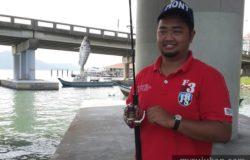 pengalaman memancing ikan di jambatan pulau pinang