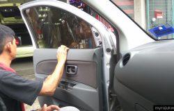 Repair masalah cermin tingkap kereta berbunyi di bengkel kereta