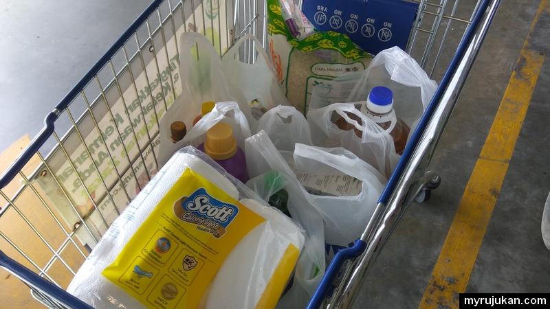 Antara barang keperluan dapur yang dibeli setiap bulan