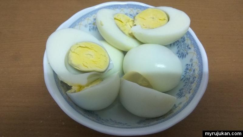 Berjaya merebus telur ayam walaupun baru pertama kali masak