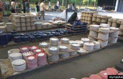 Set pinggan untuk makan yang dijual murah terus dari kilang