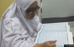 Amalan baca Al-Quran di rumah bersama sama