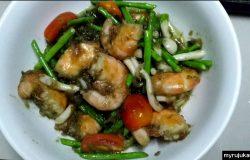 Hasil hidangan selepas masak asparagus dengan udang dan cendawan