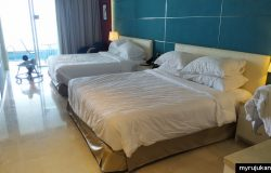 Ruangan bilik premium hotel Lexis Suites Penang