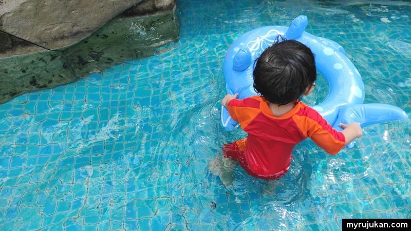 kolam mandi murah di Penang ini sesuai untuk kanak kanak