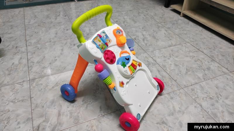 Baby walker contoh mainan anak yang berguna