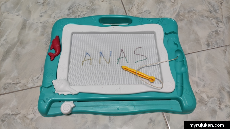Kids drawer board seperti membantu anak anda menulis dan melukis