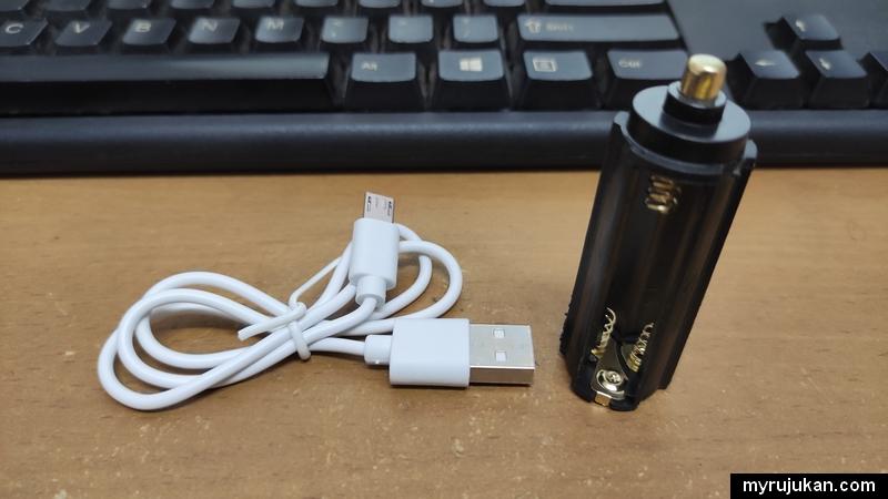 Casing bateri dan kabel USB torchlight LED